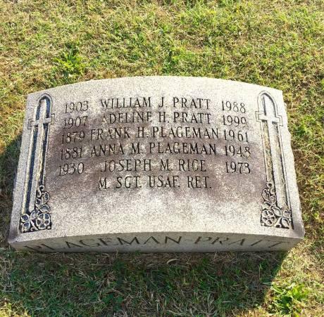My maternal grandparents (Pratt) and great grandparents (Plageman) and my dad